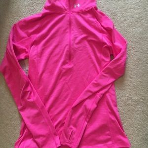 Pink small Umder Armour  sweatshirt